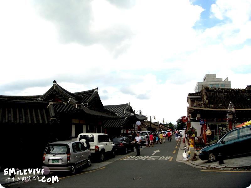 全州∥韓國全州(전주)全州韓屋村(전주한옥마을;Jeonju Hanok Village)殿洞聖堂(전동성당)、慶基殿(경기전)、羅岩聖堂(나바위성당)感受韓國的歷史村莊 11 %E9%9F%93%E5%B1%8B%E6%9D%91%20%288%29.JPG%20 %2037540664496