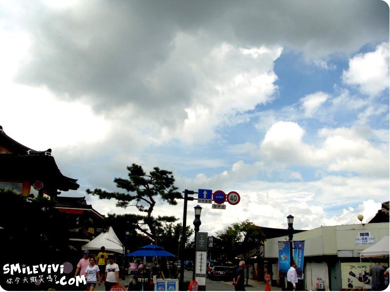 全州∥韓國全州(전주)全州韓屋村(전주한옥마을;Jeonju Hanok Village)殿洞聖堂(전동성당)、慶基殿(경기전)、羅岩聖堂(나바위성당)感受韓國的歷史村莊 16 %E9%9F%93%E5%B1%8B%E6%9D%91%20%2814%29.JPG%20 %2037540668576
